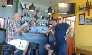 customers bar 1